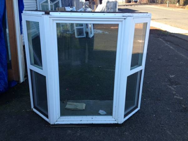 Bay windows blowout for Discount bay windows